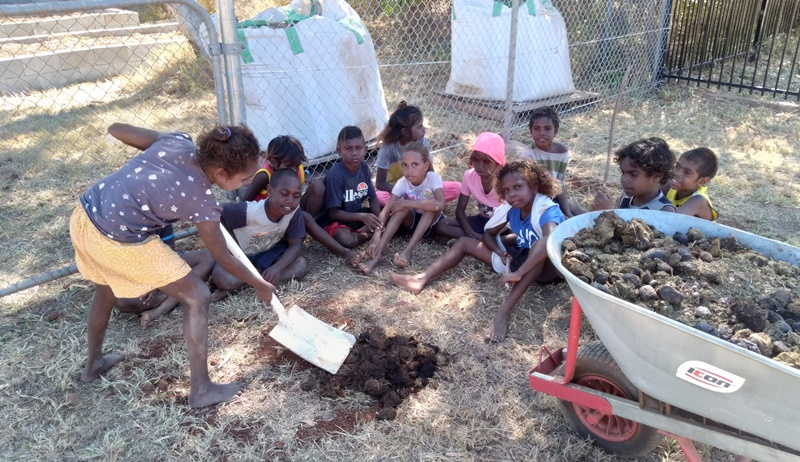 Yarralin garden grows kids