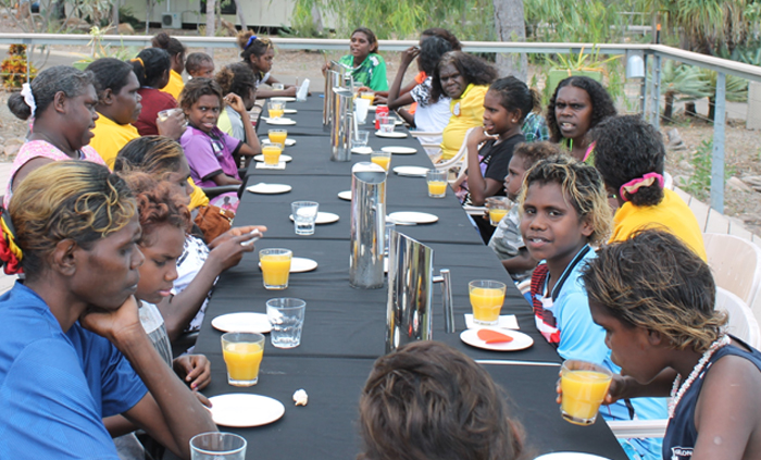 Groote Eylandt mother and daughter day